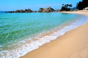 日本一の美しさを誇る水晶浜海水浴場〈福井〉水晶のように綺麗な海